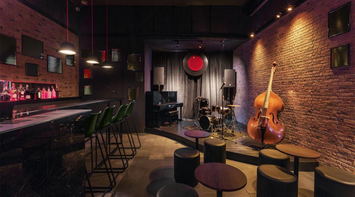 Instrumentos en un bar